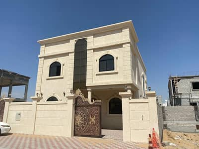 For sale, a super deluxe villa ready for the first inhabitant with central air conditioners, luxurious finishes.
