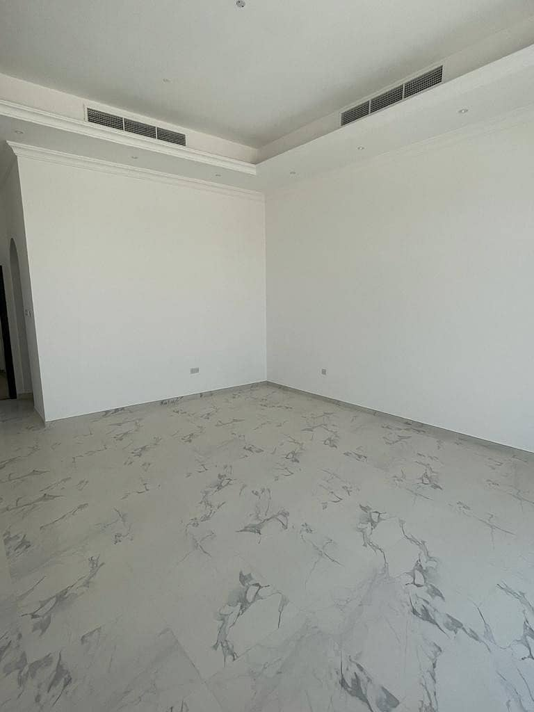 new villa 6 MB in alawir with service block