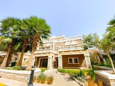 5 Bedroom Villa for Rent in Palm Jumeirah, Dubai - Direct Beach | Scenic View | Private Garden