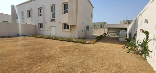 فیلا 4 غرف نوم للايجار في براشي، الشارقة - فیلا في براشي 4 غرف 85000 درهم - 5173150