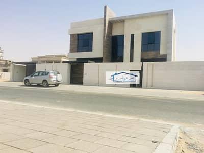 فیلا 5 غرف نوم للبيع في حوشي، الشارقة - فيلا للبيع   إمارة الشارقة   منطقة الحوشي  تشطيب شخصي