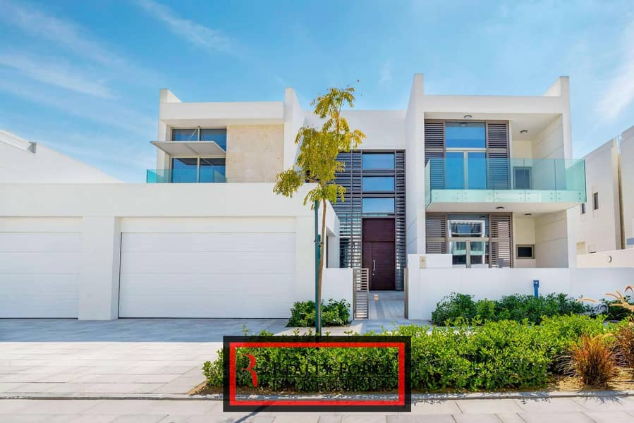 2 PRICED TO SELL | 4BR CONTEMPORARY | CLOSE TO PARK