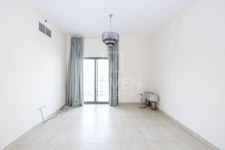 شقة 1 غرفة نوم للايجار في الفرجان، دبي - Semi Furnished Unit and Ready to move in