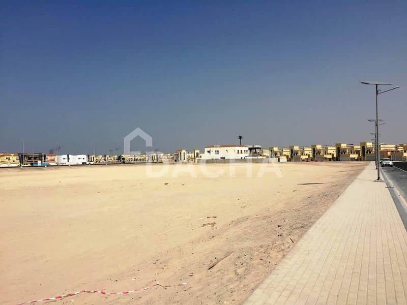 Ready Plot / Jumeirah Park for Custom Villa