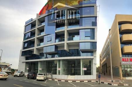 معرض تجاري  للايجار في الوصل، دبي - Showrooms: 4