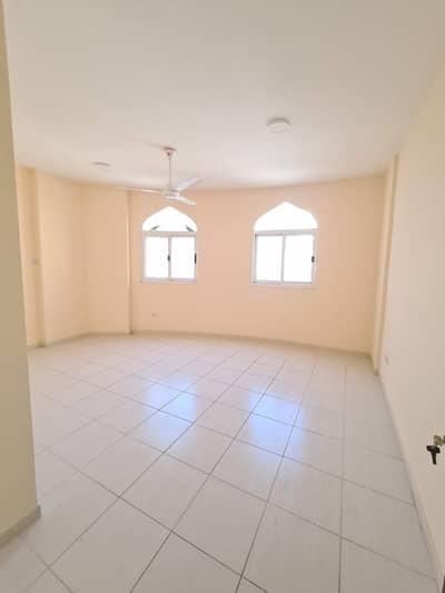 فلیٹ 2 غرفة نوم للايجار في ديرة، دبي - شقة في شارع الرقة الرقة ديرة 2 غرف 45000 درهم - 4751947