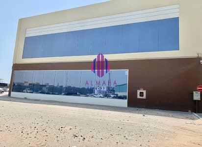 معرض تجاري  للايجار في القوز، دبي - Main Road Facing Brand New Showroom with parking!