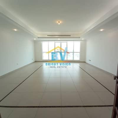 فلیٹ 3 غرف نوم للايجار في منطقة الكورنيش، أبوظبي - Sea View Multiple Units | Cozy 3Bhk|Maids | Facilities