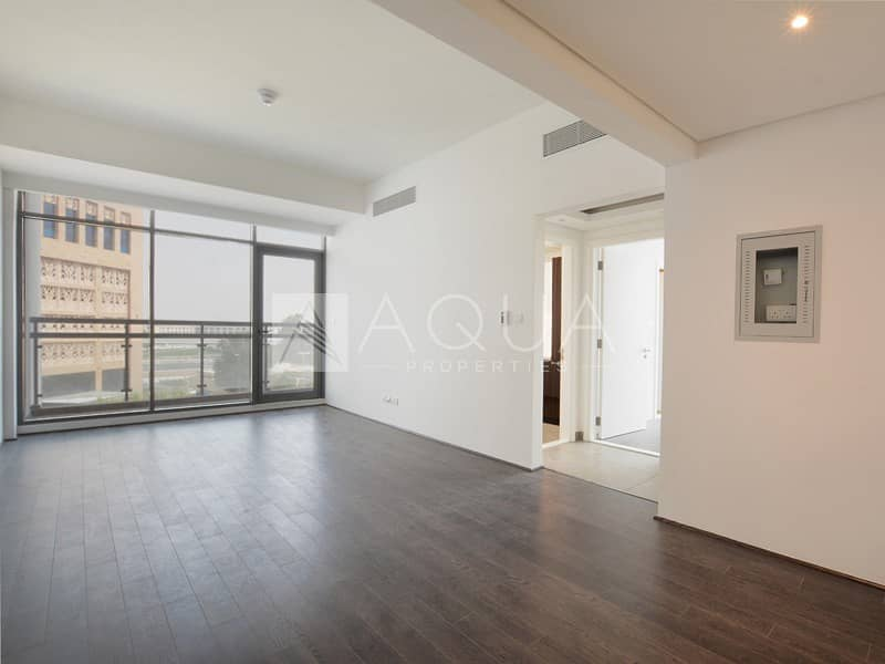 Exclusive | Bright and Spacious | Balcony