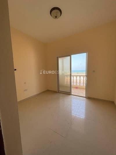 فلیٹ 2 غرفة نوم للايجار في قرية الحمراء، رأس الخيمة - Gorgeous Sea View   Notable Loc. w/ Beach Access