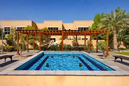 4 Bedroom Villa for Rent in Al Raha Gardens, Abu Dhabi - Live In This Convenient Villa w/ Full Facilities