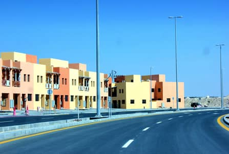 2 Bedroom Villa for Sale in Hydra Village, Abu Dhabi - Hot Deal! Corner 2 BR Villa | Invest Now