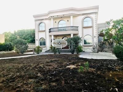 Spacious 5 bedroom olus maid independent villa with private garden in Umm SUqeim 3