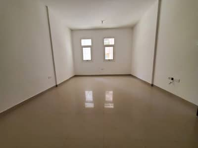 3 Bedroom Flat for Rent in Mussafah, Abu Dhabi - Luxurious 3 Bedroom Hall Apartment jus 62k in Mussafah Shabiya