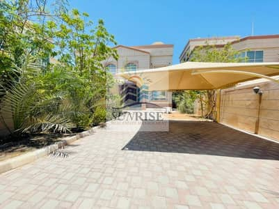 5 Bedroom Villa for Rent in Khalifa City A, Abu Dhabi - For rent deluxe villa 5 rooms Majlis independent entrance garden great location