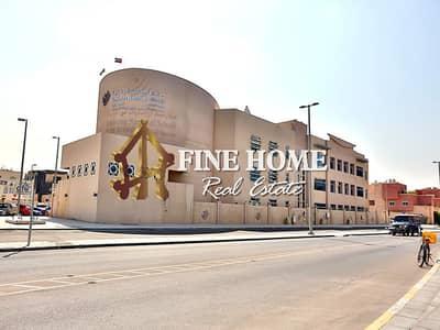 فيلا مجمع سكني 6 غرف نوم للبيع في آل نهيان، أبوظبي - Superb 3 Villas Compound in Al Nahyan Camp