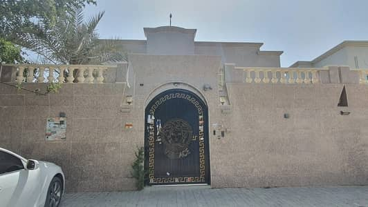 4 Bedroom Villa for Sale in Al Mowaihat, Ajman - For sale luxury villa in Al-Mwaihat fully furnished