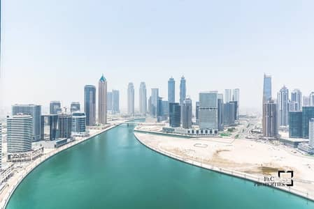 3 Bedroom Penthouse for Sale in Business Bay, Dubai - Luxury Penthouse | Burj Khalifa and Canal View