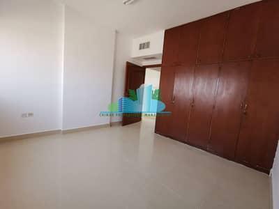 فلیٹ 1 غرفة نوم للايجار في المرور، أبوظبي - 1BHK |Modern Glossy Tiled |Built-in cabinets |Balcony|Central Ac & Gas| 4 chqs.