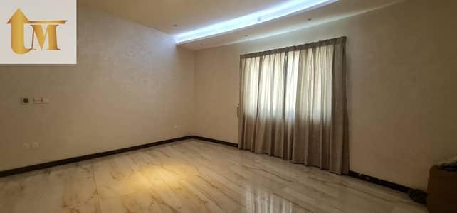 فیلا 5 غرف نوم للايجار في الورقاء، دبي - The unique model villa at Al Warqaa 2 for rent