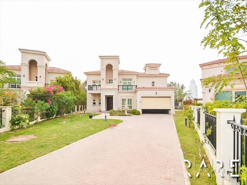 2 Genuine Listing   Upgraded 4 Bed Villa with private pool