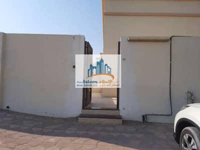 MULHAQ VILLA 2 BEDROOMS HALL AND HOSH ON MAIN ROAD