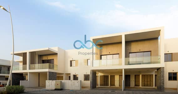5 Bedroom Villa for Rent in Yas Island, Abu Dhabi - Amazing 5BR  Villa | Golf Course View  | 2 Cheques