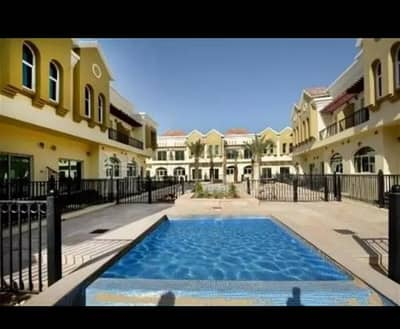 3 Bedroom Townhouse for Sale in Dubai Industrial Park, Dubai - Unfurnished 3 bedroom With Balcony Townhouse in Sahara Meadows 1 , Dubai Industrial City