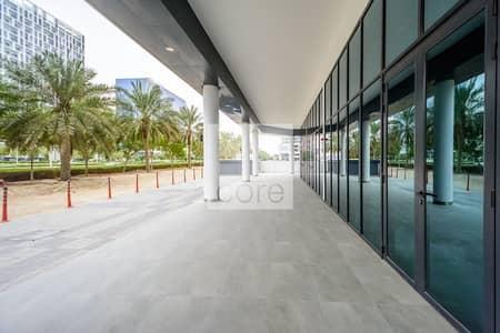 محل تجاري  للايجار في الخليج التجاري، دبي - Shell and Core Retail   4 Months Rent Free
