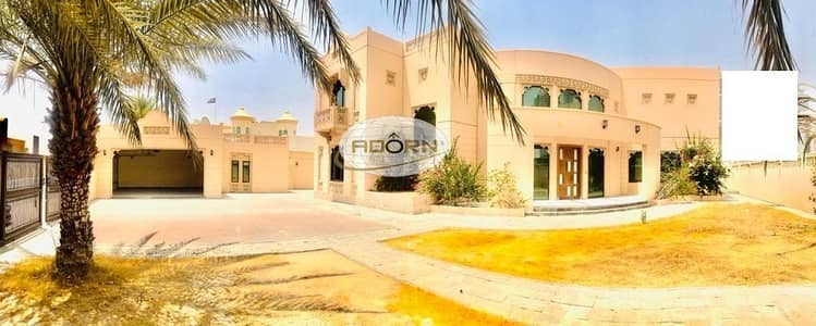 Spacious and Bright luxury 6 bedroom independent villa  for rent in Jumerah