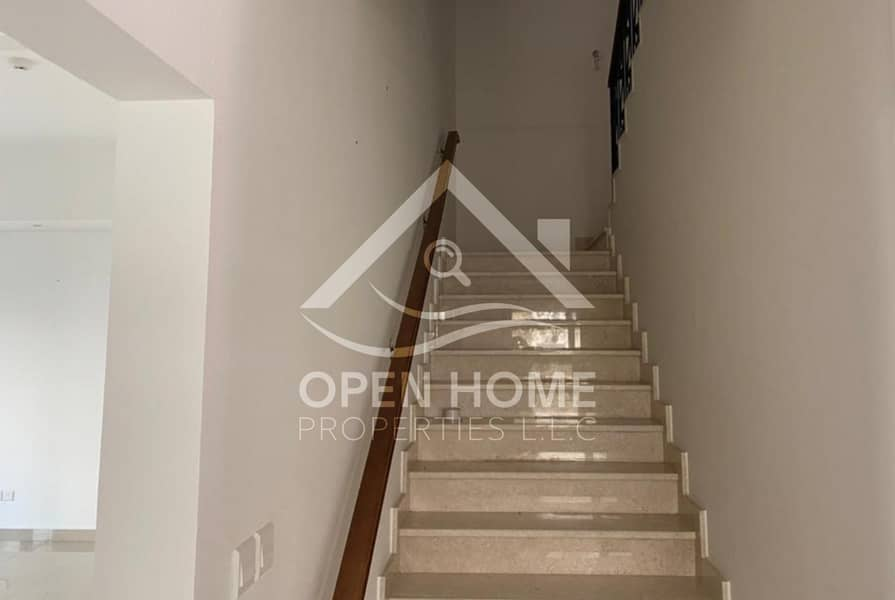 Spacious and Luxurios 3BR +1  Maids Room @ Bloom fields