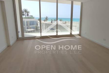 1 Bedroom Flat for Sale in Saadiyat Island, Abu Dhabi - LUXURIOUS apartment with FULL Sea View