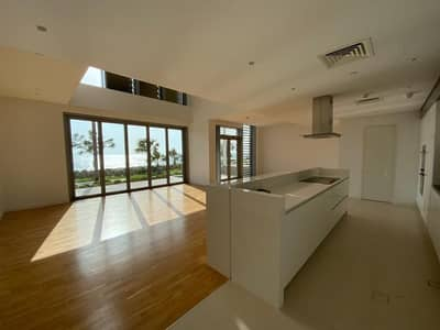 4 Bedroom Townhouse for Sale in Bluewaters Island, Dubai - Luxurious Townhouse With Full Sea View