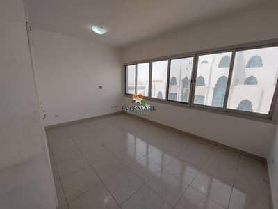 بنتهاوس 2 غرفة نوم للايجار في المرور، أبوظبي - بنتهاوس في المرور 2 غرف 60000 درهم - 5188312