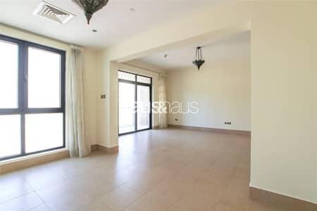 شقة 2 غرفة نوم للايجار في المدينة القديمة، دبي - Rare Layout   Immaculate   Burj Khalifa View