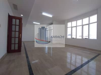 شقة 3 غرف نوم للايجار في المناصير، أبوظبي - Hot Deal!! 3BHK In A Villa With Underground Parking-Central AC-Balcony & Maid Room Near Khalidiyah Police Station