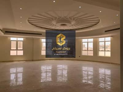 6 Bedroom Villa for Sale in Al Shamkha, Abu Dhabi - For sale villa in Al Shamkha, super deluxe finishing