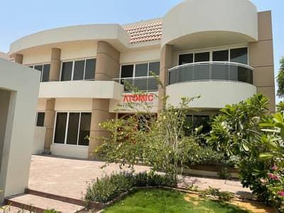 4 Bedroom Villa for Rent in Jumeirah, Dubai - Near to Jumeirah Beach!4 Bedroom Town house villa