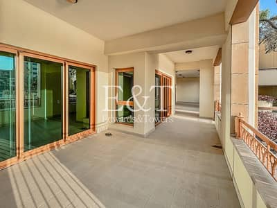 3 Bedroom Apartment for Sale in Palm Jumeirah, Dubai - Extended Sunset Balcony|Vacant Now| 3 Beds + Maids