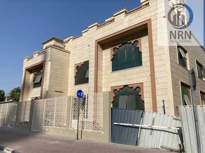 Villa for Rent in Umm Suqeim, Dubai - Huge Basement Parking Opp Beach Hotel Burj Al Arab