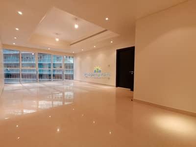 شقة 3 غرف نوم للايجار في الخالدية، أبوظبي - Reduced Price   Stylish 3-bedroom Unit   Maids Rm   Parking and Facilities