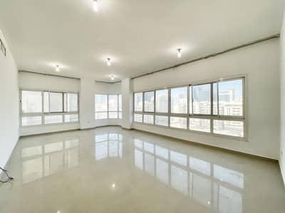 شقة 3 غرف نوم للايجار في الزاهية، أبوظبي - شقة في الزاهية 3 غرف 80000 درهم - 5193208