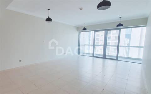 2 Bedroom Flat for Rent in Downtown Dubai, Dubai - Spacious apartment/Chiller Free/Great price