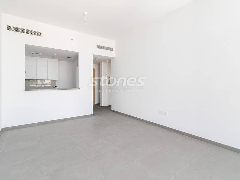 Modern with High Quality Finish Great Pool View