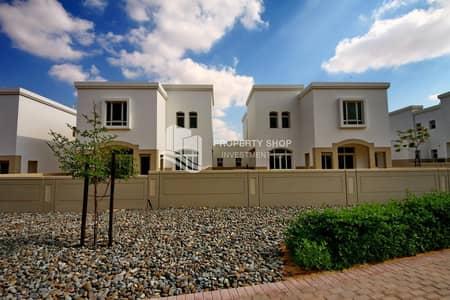 فیلا 3 غرف نوم للبيع في الغدیر، أبوظبي - Best Priced  Magnificent Huge Layout Villa  Beautiful Garden