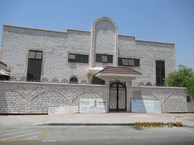 فيلا تجارية 12 غرف نوم للايجار في بر دبي، دبي - فيلا تجارية في المنخول بر دبي 12 غرف 500000 درهم - 4995961
