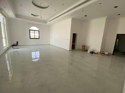 6 Bedroom Villa for Rent in Al Shamkha South, Abu Dhabi - Villa large yard close to a main mosque