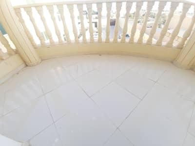 فلیٹ 3 غرف نوم للايجار في الشامخة، أبوظبي - شقة في الشامخة 3 غرف 70000 درهم - 5196015