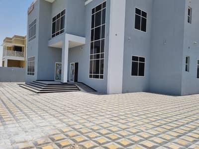 فیلا 5 غرف نوم للبيع في حوشي، الشارقة - فیلا في حوشي 5 غرف 3100000 درهم - 5196470