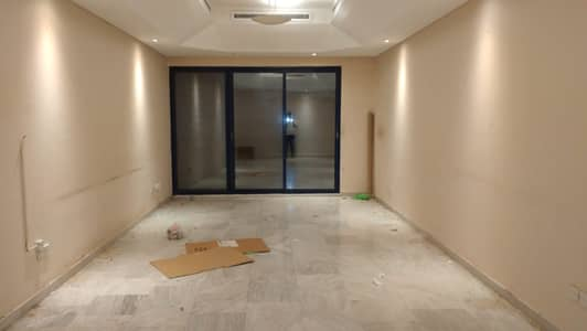 2 Bedroom Flat for Rent in Deira, Dubai - ON METRO CHILLER FREE SPACIOUS 2BHK ONE MONTH FREE WITH MAID'S ROOM GYM AND POOL FREE PARKING